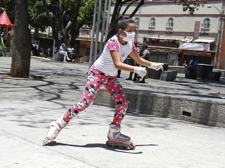 Niños y adolescentes disfrutan jornada de flexibilización de la cuarentena social