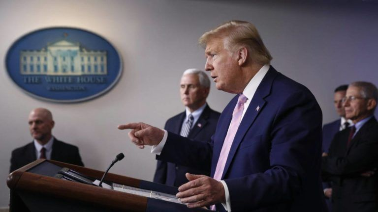 Trump ordenó a 3M dejar de exportar mascarillas y Guantes Medicos a América Latina
