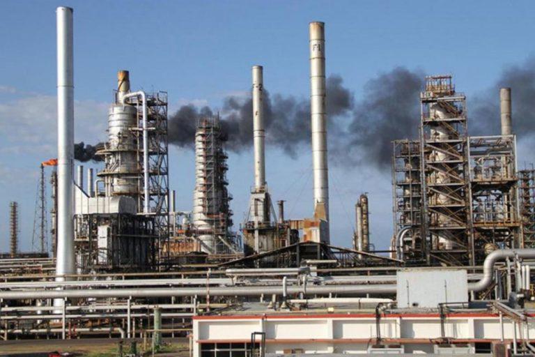 Trabajadores afirman que Refinería Cardón empezó producción de gasolina