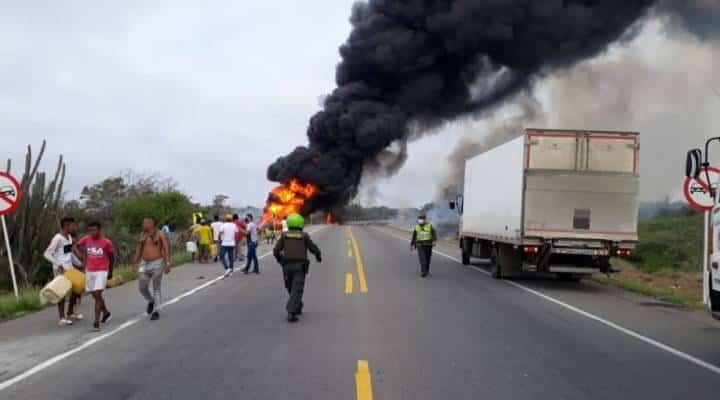 Tragedia en Colombia: van más de 20 muertos tras incendio de camión con gasolina
