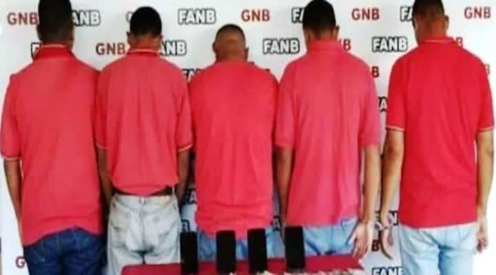 Cinco detenidos en Bolívar por cobrar gasolina en dólares en 'bomba' subsidiada