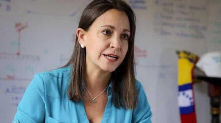 Para María Corina Machado ya Capriles no pertenece a la oposición