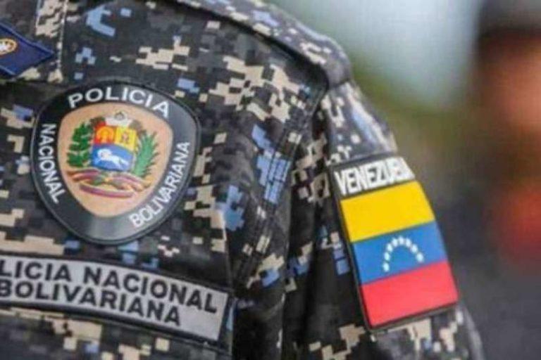 Uniformados de la PNB hallaron el cuerpo, de un sargento de la FANB en la autopista Francisco Fajardo de Caracas (+Detalles)