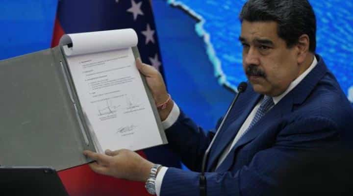 Maduro aumentó la escala salarial para estos funcionarios públicos