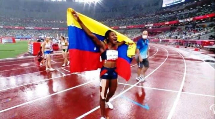 Lisbeli Vera gana su segunda medalla de oro y es la primera venezolana en ganar 3 medallas en Juegos Paralímpicos (Video)