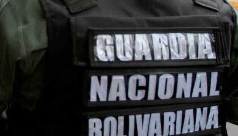 Aprehendidos 2 GNB con armas en la Los Mangos (+Detalles)