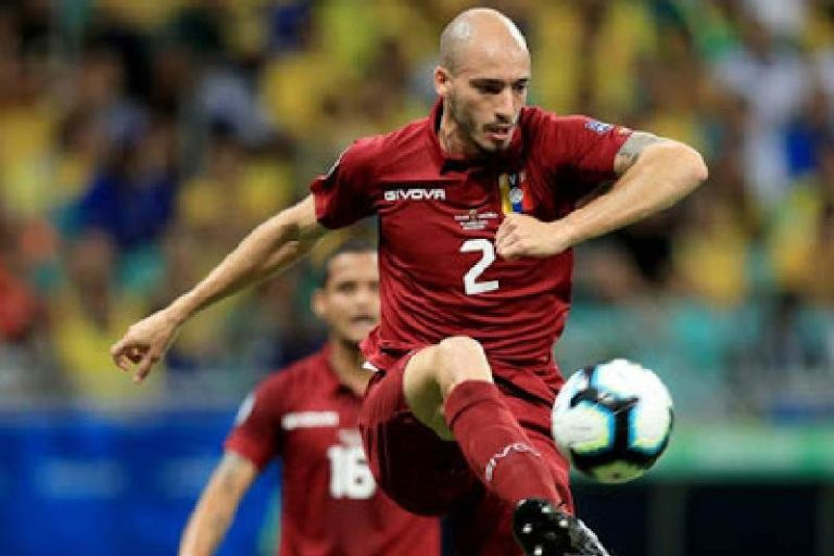 """Cargan contra Mikel Villanueva en redes por el """"error"""" que cometió en el partido de Venezuela contra Perú (+Video)"""