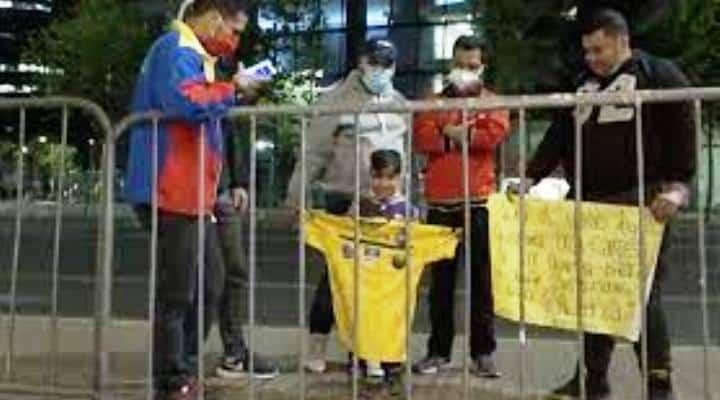 Tomás Rincón le cumplió el sueño a un niño venezolano en Chile que quería una camiseta de La Vinotinto (+VIDEO)